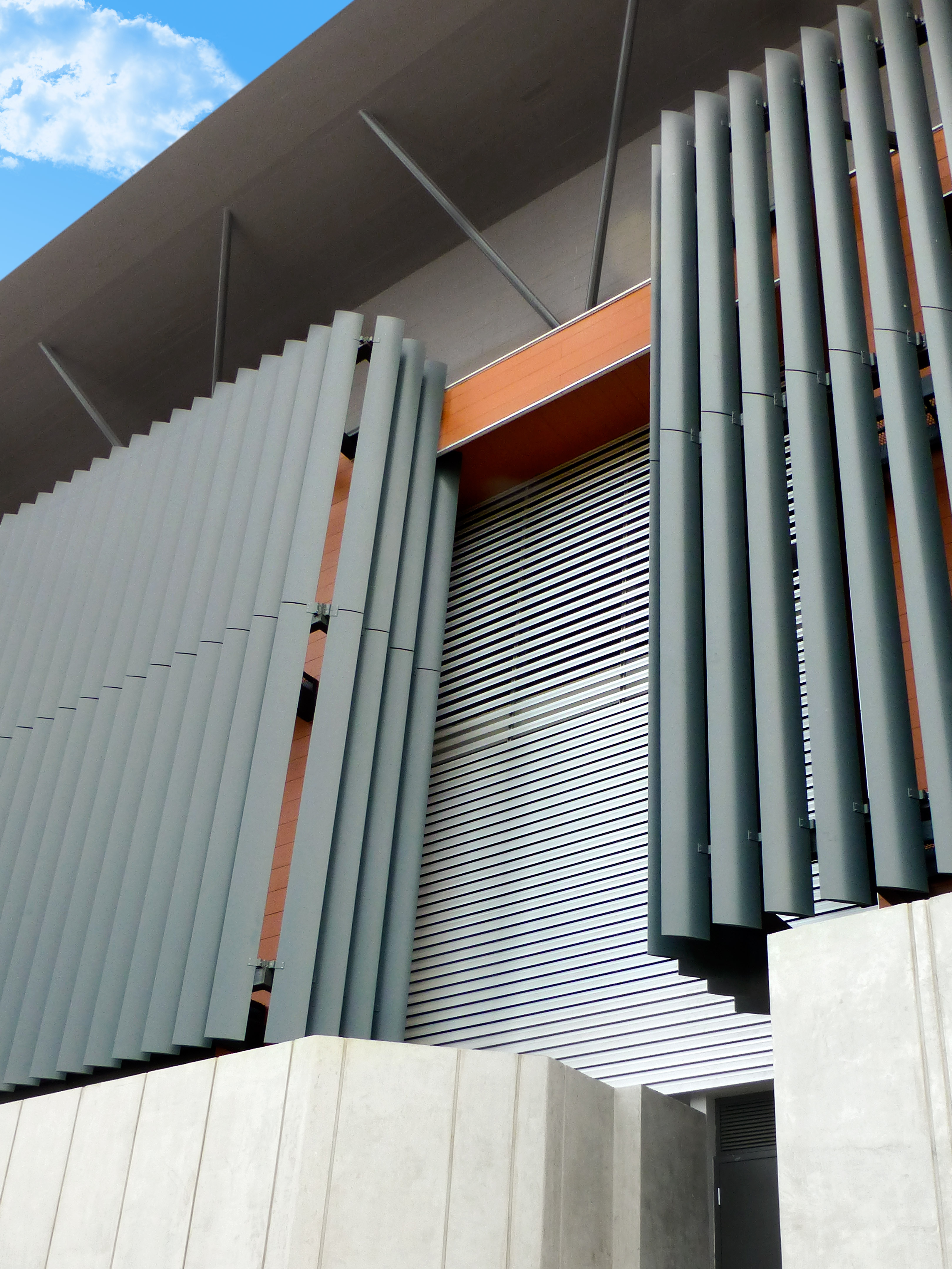 Installation of Louvers for the protection of schools in Costa Rica