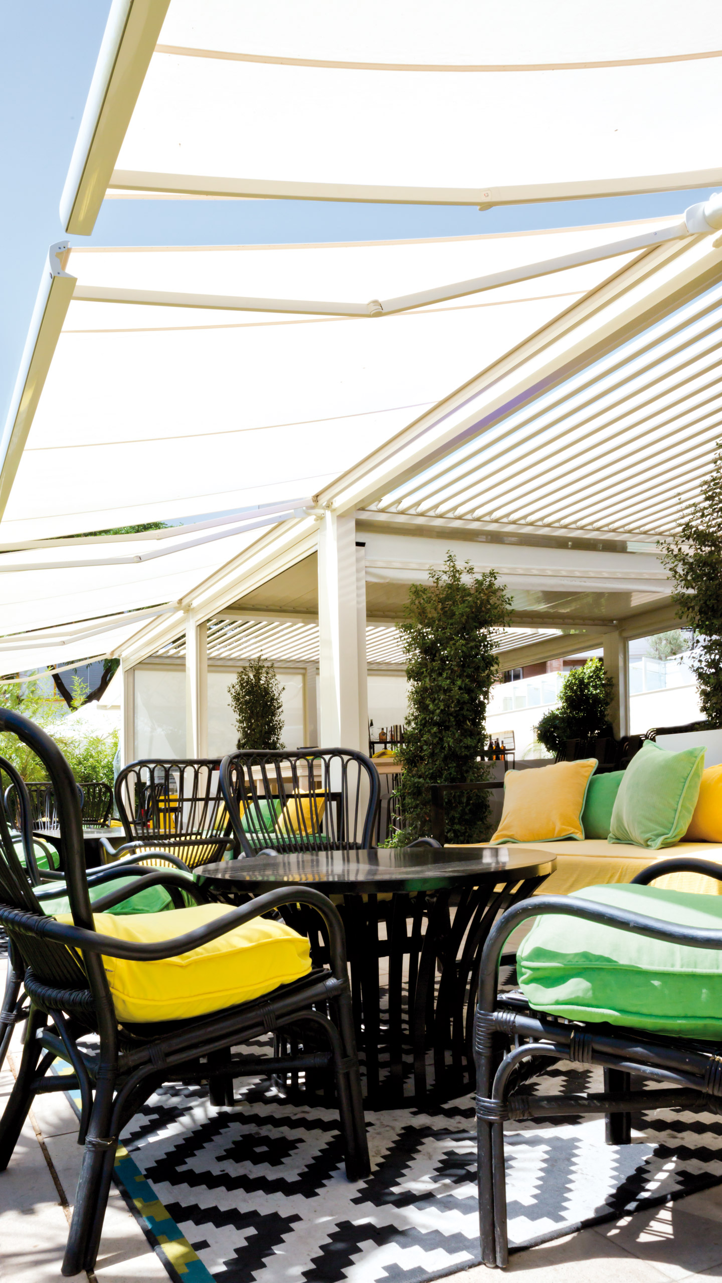 Saxun pergolas and awnings for leisure and catering areas